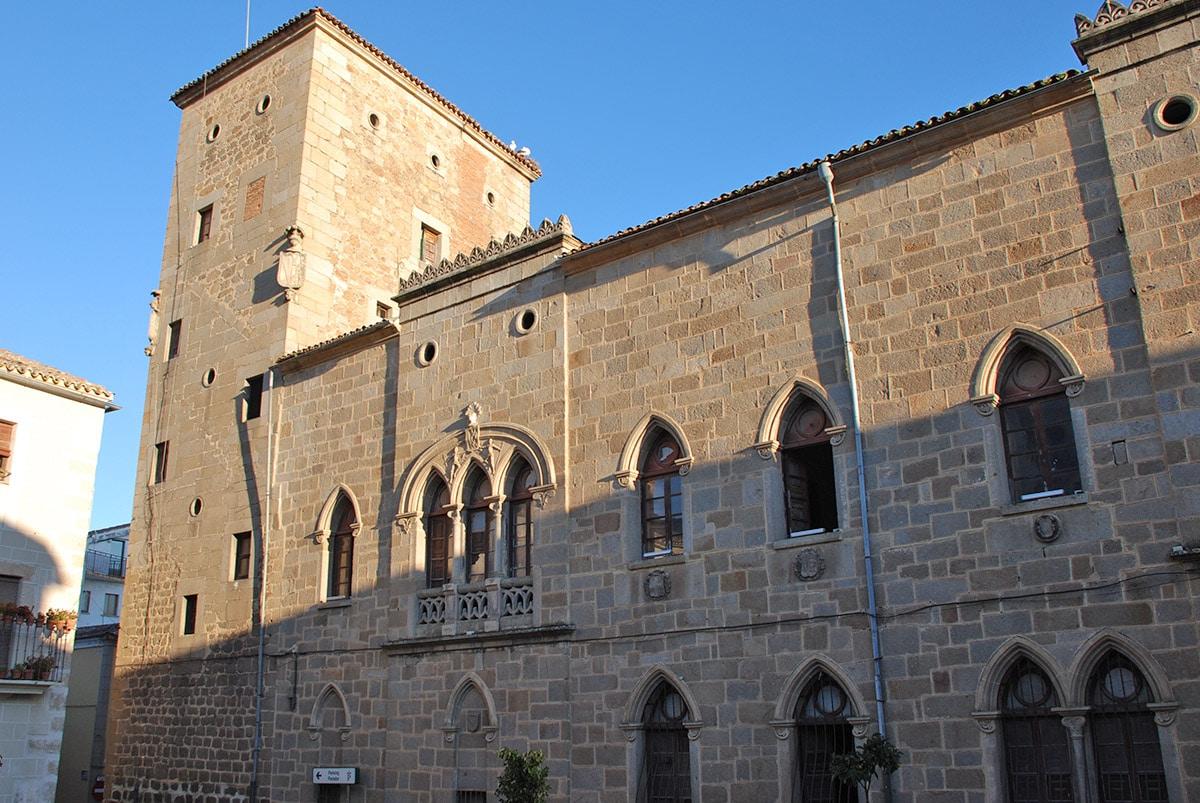 Casa-palacio de las Dos Torres